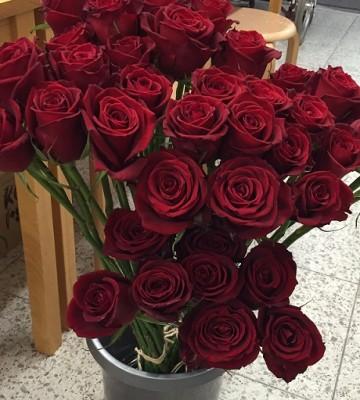 プロポーズの赤薔薇を押し花にして記念に残しませんか♪結婚式のブーケのドライ加工も承ります♪