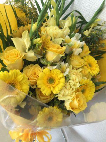 名古屋市内に、卒業式・送別の花束、アレンジメントをお届けします♪